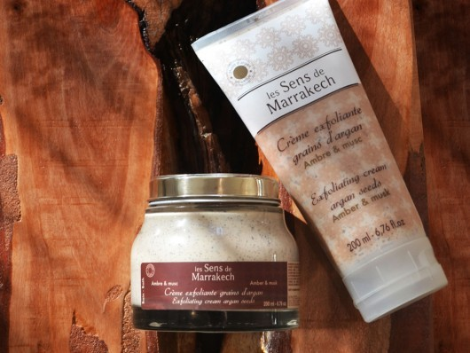 exfoliating-cream-with-argan-grains-amber-and-musk